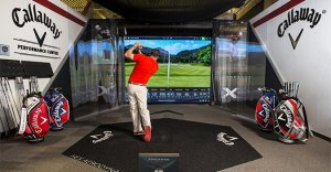 Trackman 4 monitor and screen